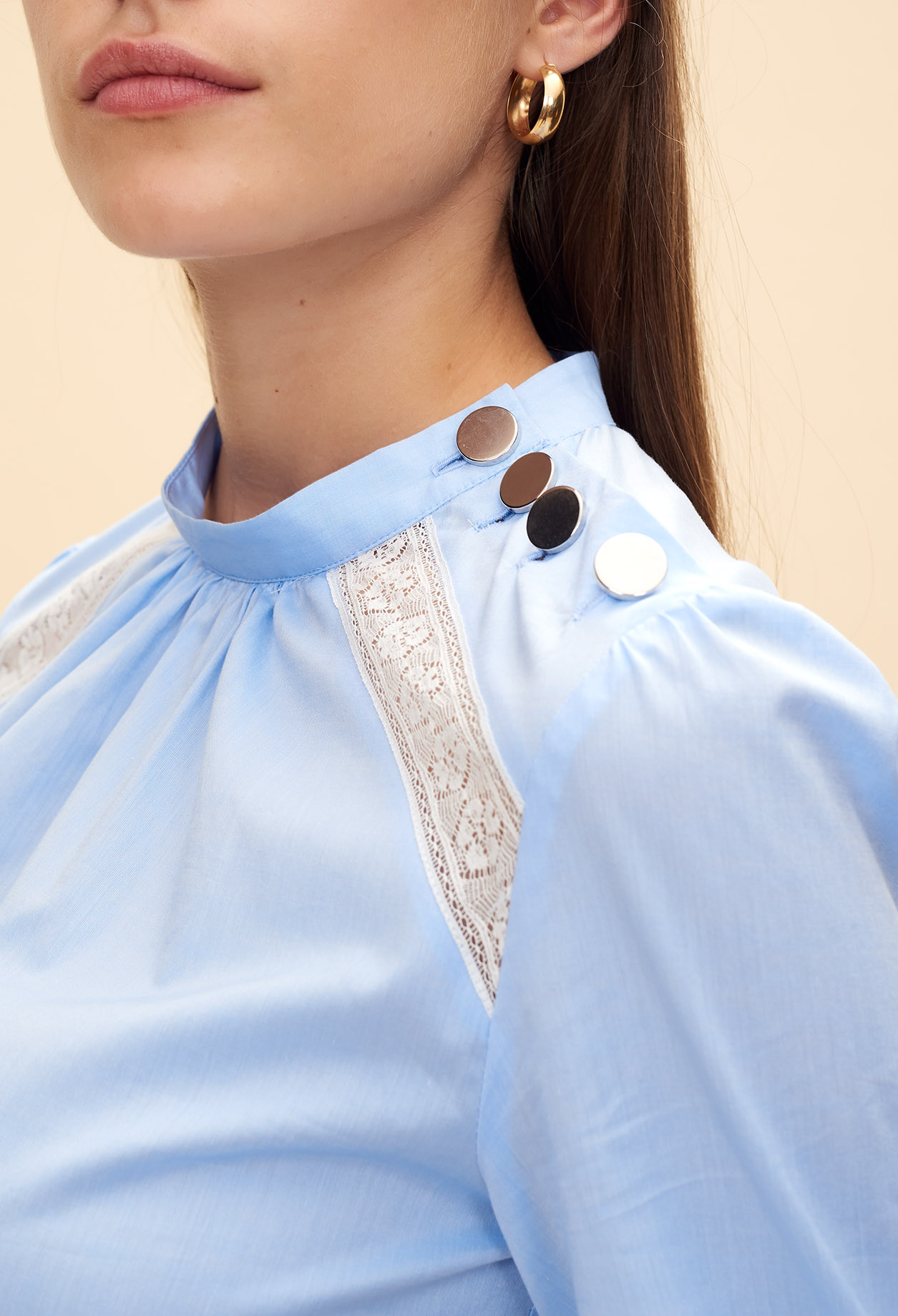 Pagoda sleeve top with lace insert