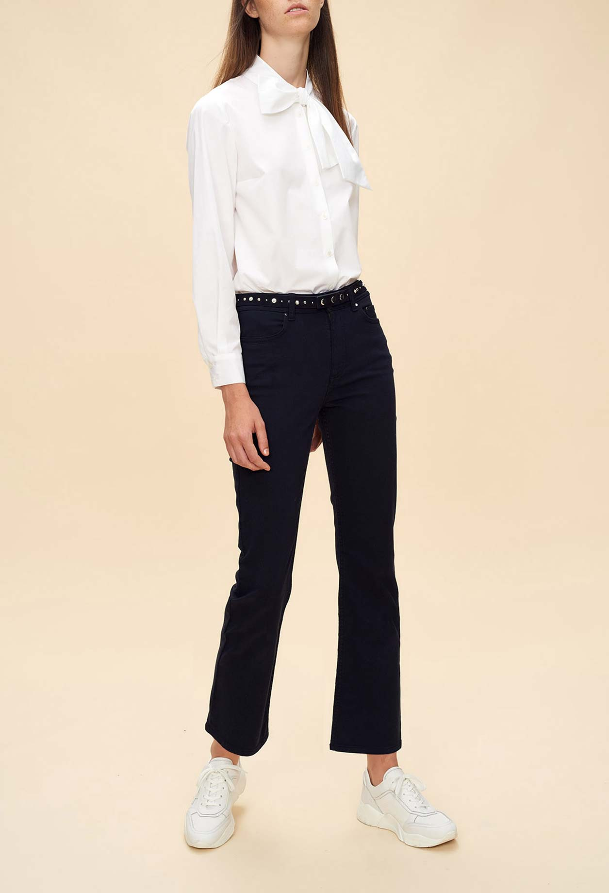 Cropped navy blue jeans